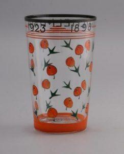 Cris Agterberg glas t.g.v het 25 jarig regeringsjubileum van Koningin Wilhelmina 1923.