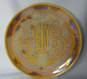 proef ontwerp L .Cachet Wilhelmina 1938 in luster glazuur.