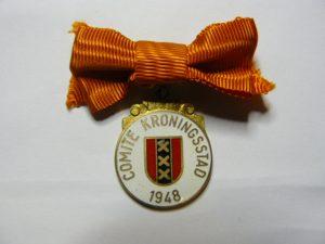 Draagpenning van het Kronings comite Amsterdam.